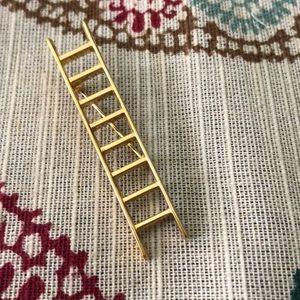 Jewelry - Gold ladder pin